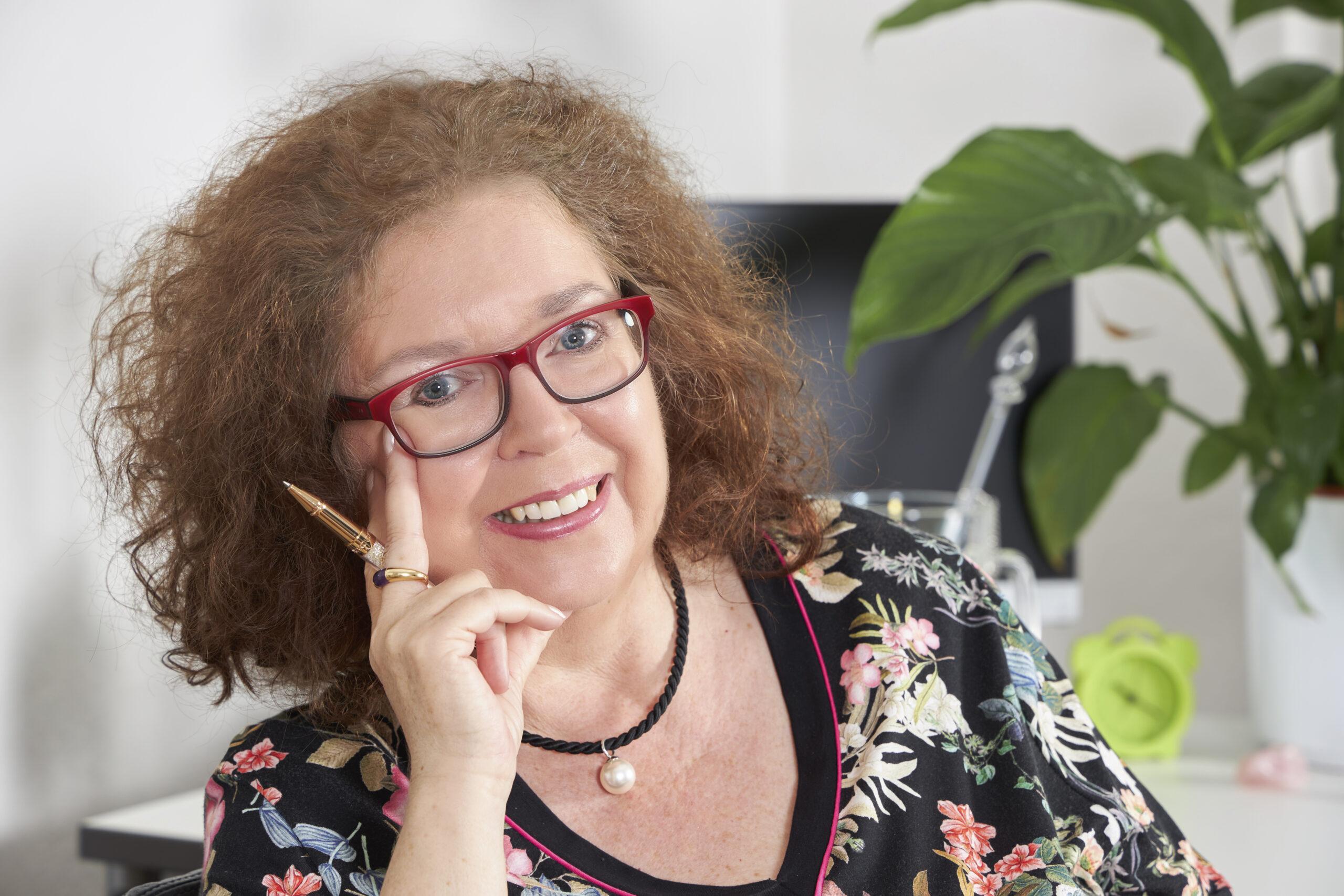 Frau Magret Schneider